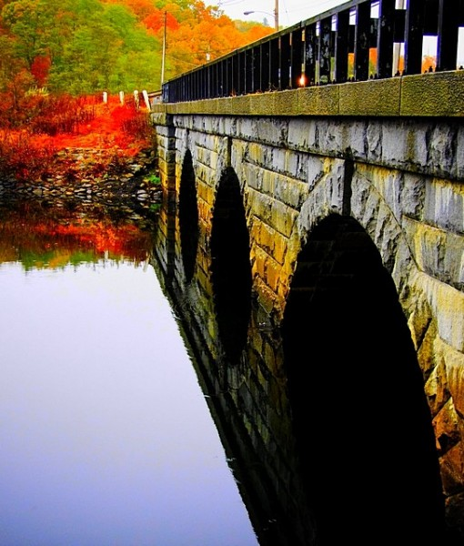 Фотообои Мост на фоне осенних красок (ID 8209)