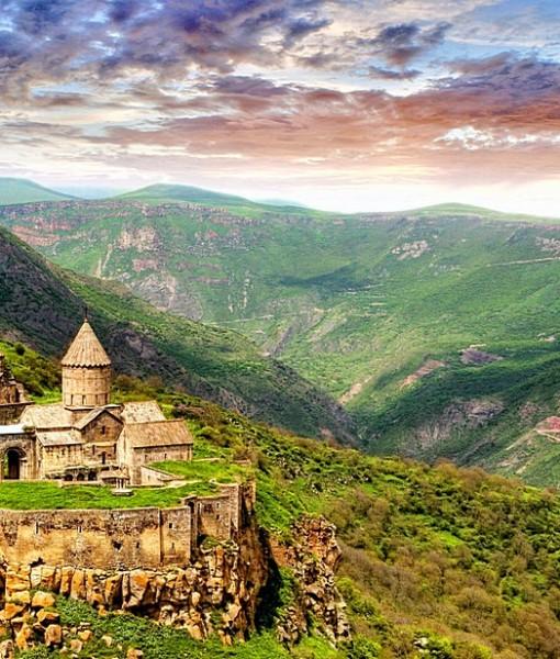 Фотообои Монастырь в горах (ID 8210)