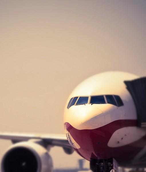 Фотообои Самолет в аэропорту (ID 14521)