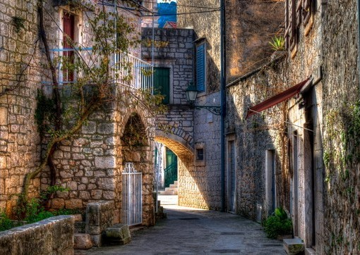 Фотообои Хорватия. Узкая улица (ID 2057)