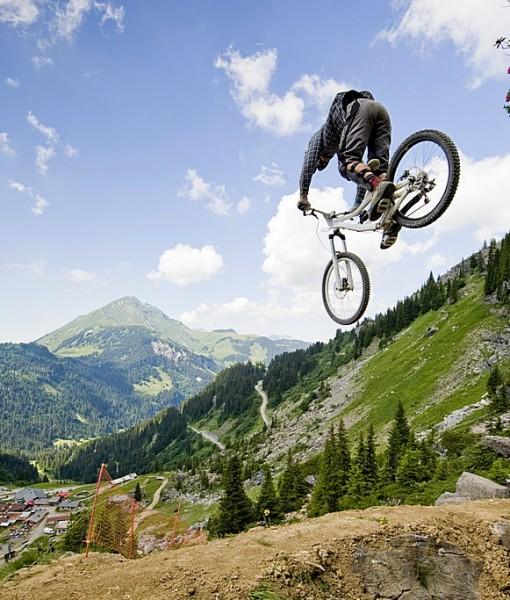 Фотообои Велокросс в горах (ID 9812)