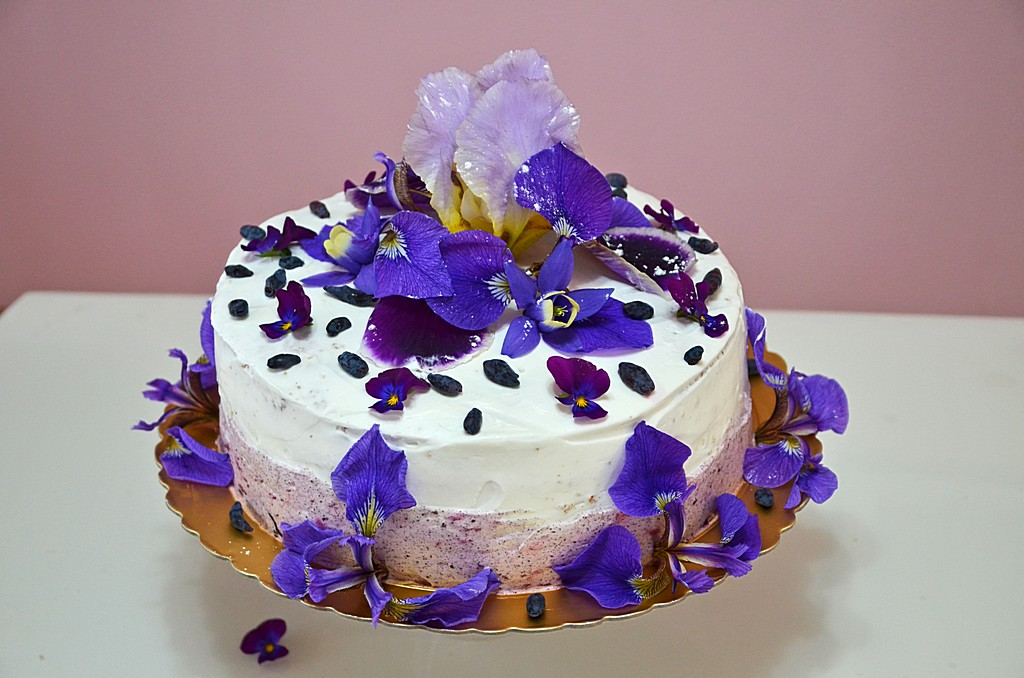 Awesome flower cake